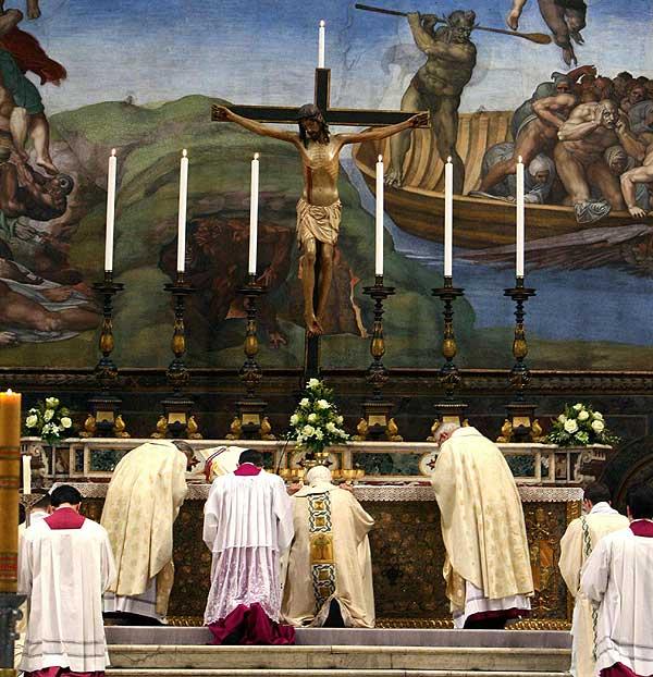 Misa rituakl de entradamisa-del-papa-benedicto-xvi-en-capilla-sixtina2