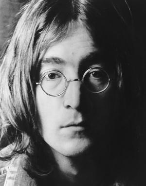John_lennon_tooth_sells_on_auction